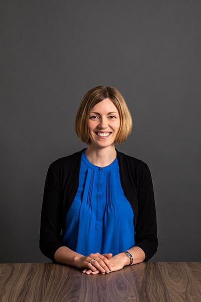 L-mobile Mitarbeiterin Anita Fischer Assistant to Managing Director