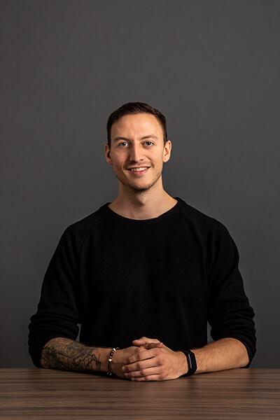 L-mobile Mitarbeiter Francesco Grün Customer Service Specialist