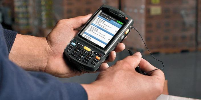 L-mobile Digitales Servicemanagement Infothekbeitrag Kleine-Alleskönner PDAs &-Smartphone im Serviceeinsatz