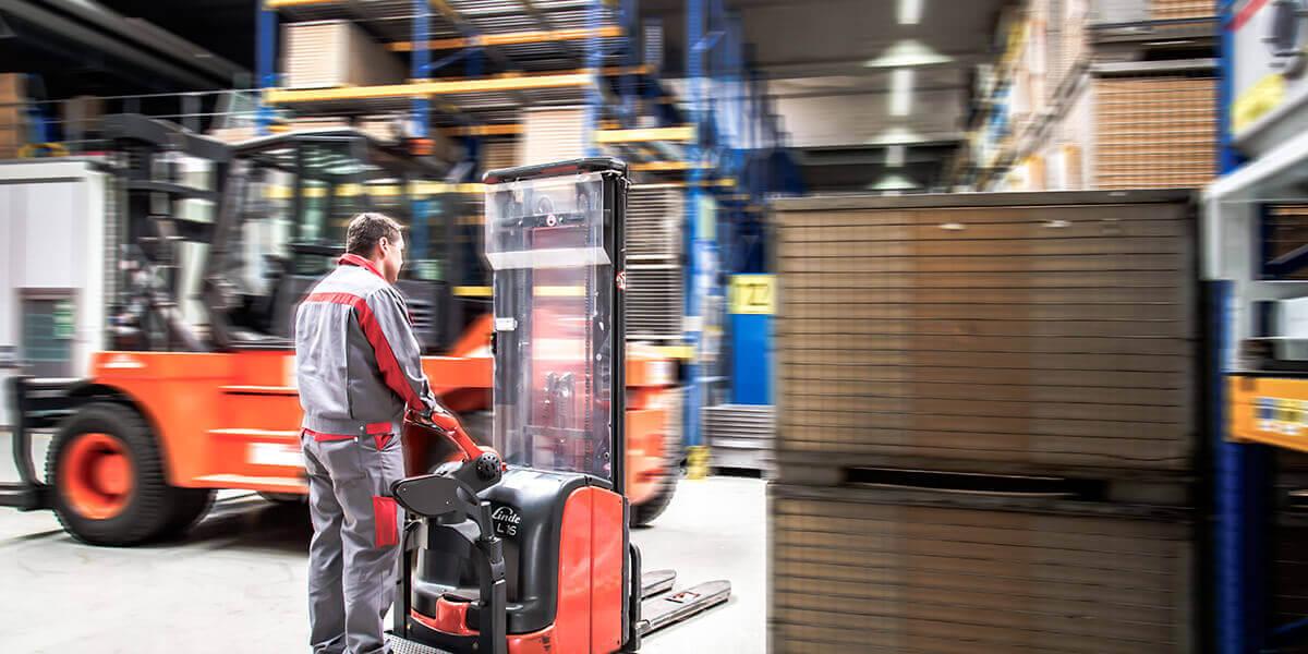 L-mobile Infothekbeitrag Industrie 4.0 RFID Ladungsträgerkreislauf Das nachhaltige Logistikmanagement von heute Sliderbilder