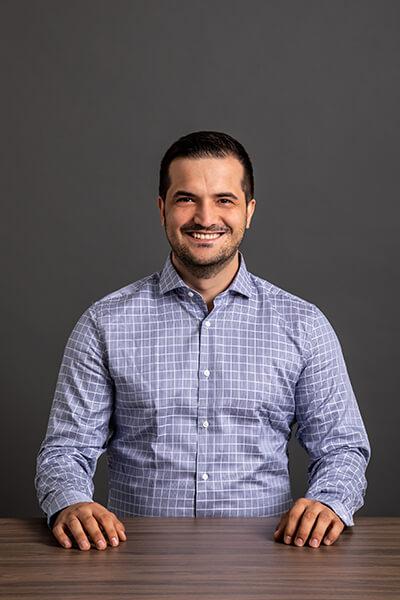 L-mobile Mitarbeiter Durim Krasniqi Trainee