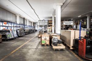 Digitalisierte Lagerlogistik L-mobile warehouse Lagerplatzauszeichnung Lagerdurchfahrten
