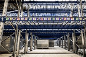 Digitalisierte Lagerlogistik L-mobile warehouse Lagerplatzauszeichnung Magnetetiketten