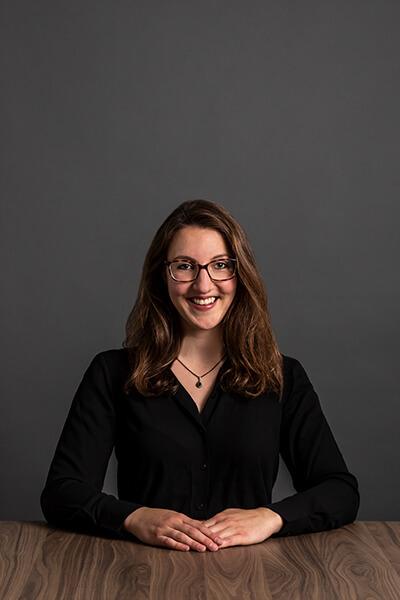 L-mobile Mitarbeiterin Julia Holder