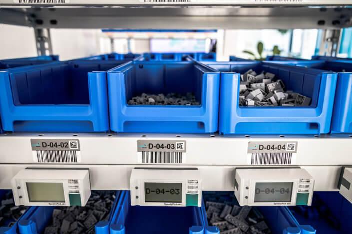 L-mobile Digital Factory - die papierlose Produktion Lagerplatzverwaltung Pick-by-Light Kommissionierregal Materialschütten