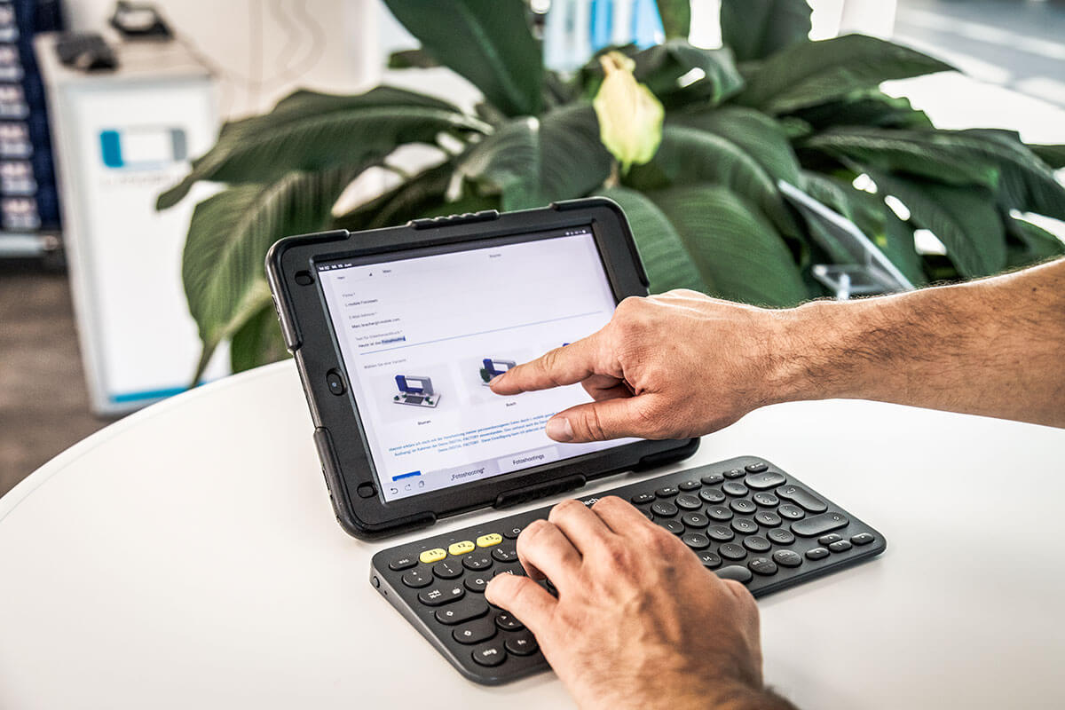 L-mobile Digital Factory - die papierlose Produktion Produktionsauftrag anlegen Anmeldemaske Tablet