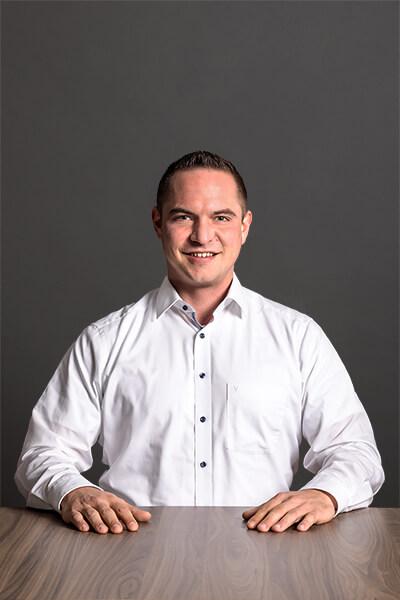 L-mobile Mitarbeiter Dennis Kaercher